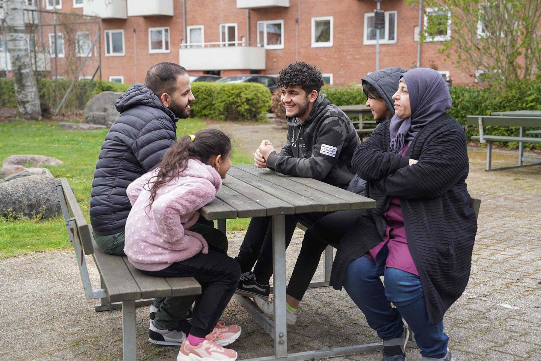"""Aktyvistai baiminasi, kad bus sukurtas """"pavojingas precedentas"""", nes Kopenhaga naudoja ataskaitą, kuri laiko Damaską saugiu, todėl daliai pabėgėlių siekia panaikinti rezidentų statusą ir išsiųsti iš šalies. <br>AFP/Scanpix nuotr."""