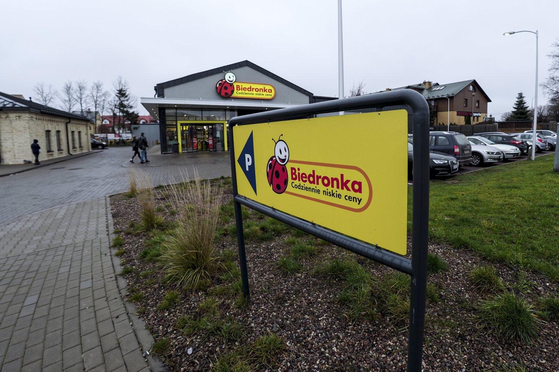 """Alytiškiams ir kitiems pirkėjams gerai žinomas lenkų prekybos tinklas """"Biedronka"""" paskelbė apie planą pritraukti dar daugiau pirkėjų iš Lietuvos.<br>V.Ščiavinsko nuotr."""