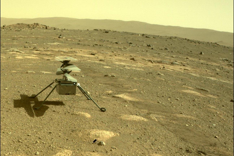 """""""Ingenuity"""" prieš savaitę Raudonojoje planetoje atliko dešimtąjį savo skrydį.<br>NASA/JPL nuotr."""