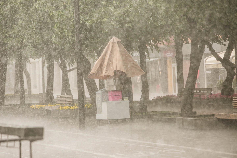 Sinoptikai turi liūdnų žinių poilsiaujantiems: savaitgalį lydės lietus ir vėjas.<br>G.Bitvinsko nuotr.
