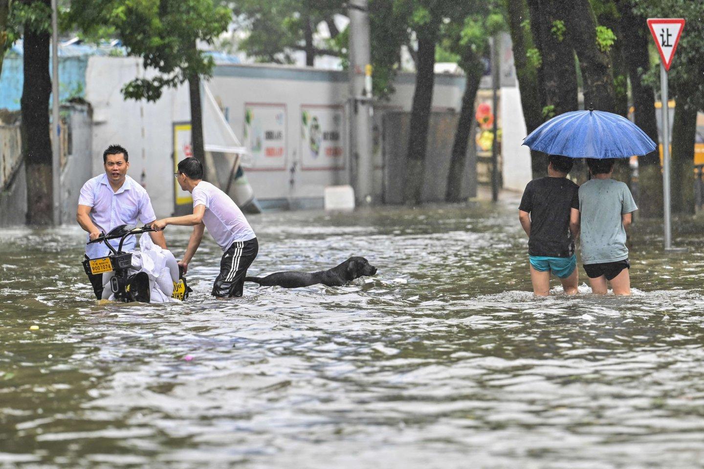 Potvyniai Kinijoje.<br>AFP/Scanpix nuotr.
