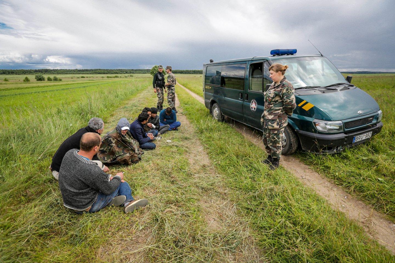 Vieno nelegalaus migranto išlaikymas per dieną Lietuvai kainuoja 30 eurų arba apie 11 tūkst. eurų per metus.<br>V.Balkūno nuotr.