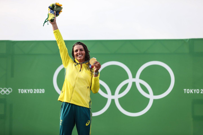 S.Fox panaudojo prezervatyvą remontuoti skilusią valtį ir tapo olimpine čempione.<br>AFP/Scanpix.com nuotr.