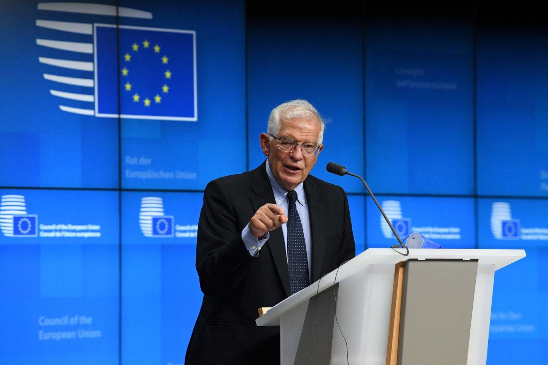 """ES užsienio politikos vadovas Josepas Borrellis trečiadienį pranešė per derybas su irakiečių užsienio reikalų ministru aptaręs """"būdus pažaboti padidėjusį Irako piliečių, neteisėtai vykstančių iš Baltarusijos į Lietuvą, skaičių"""".<br>AFP/Scanpix nuotr."""