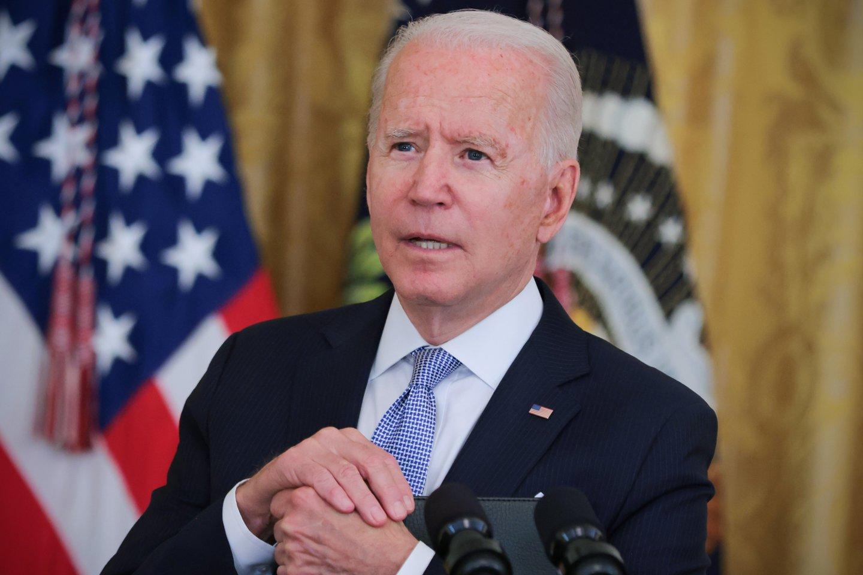 Prezidentas paragino visuomenę nepolitizuoti skiepų ar kaukių klausimo.<br>Reuters/Scanpix nuotr.