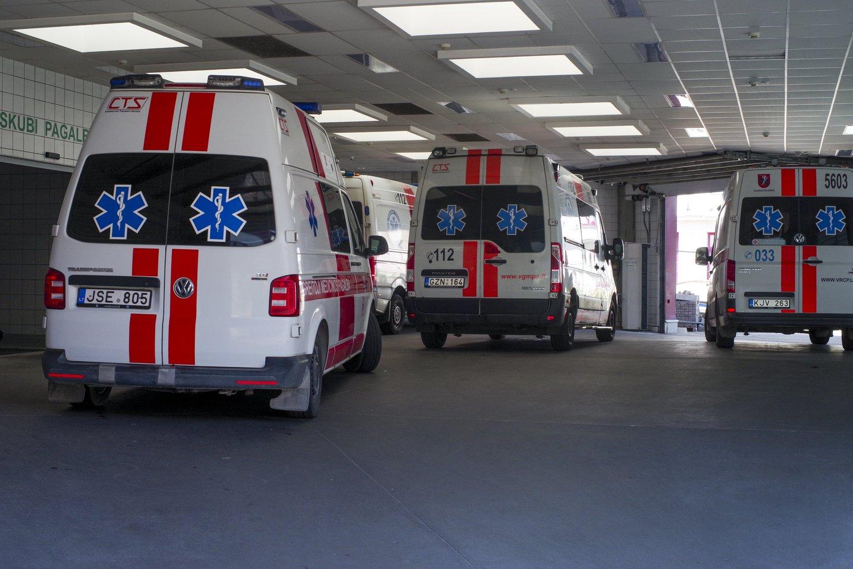 Greitoji pagalba,automobiliai,Santaros klinikos,priėmimo skyrius<br>V.Ščiavinsko nuotr.