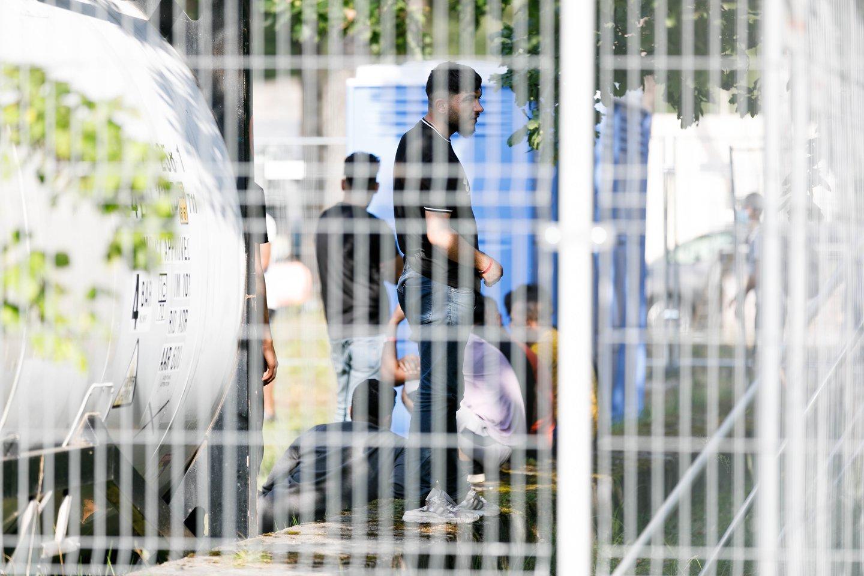 Duomenis apie sulaikytus migrantus skelbs Statistikos departamentas, nebeliks kasdienių VSAT pranešimų.<br>T.Bauro nuotr.