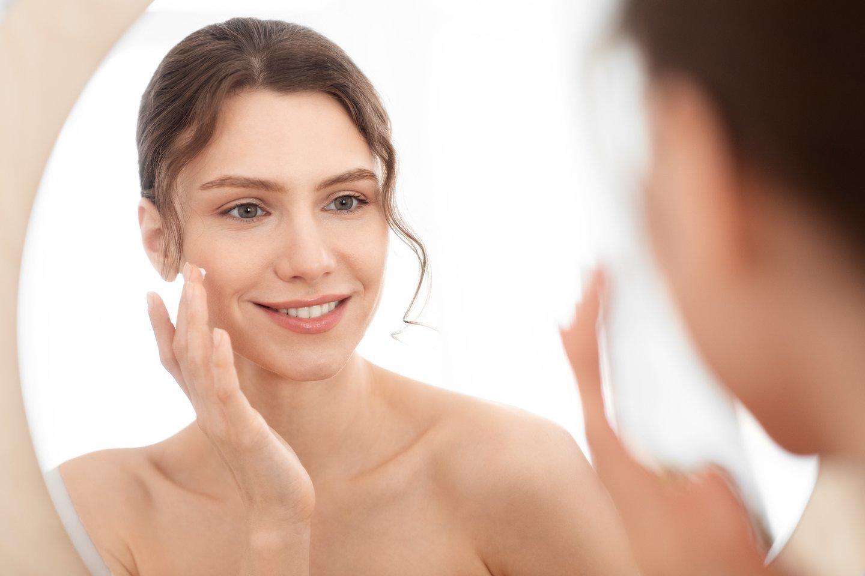 Norint gražios veido odos nebūtina pakloti daug pinigų.<br>123rf nuotr.