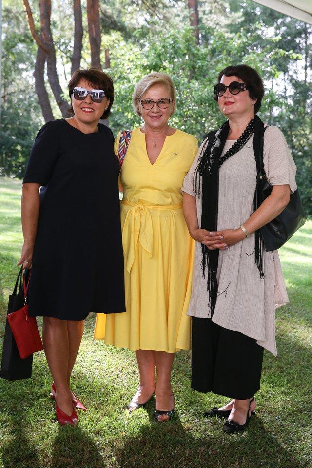 Lolita Bytautaitė (kairėje), Vida Ramaškienė ir Lina Balėnaitė (dešinėje).<br>R.Danisevičiaus nuotr.