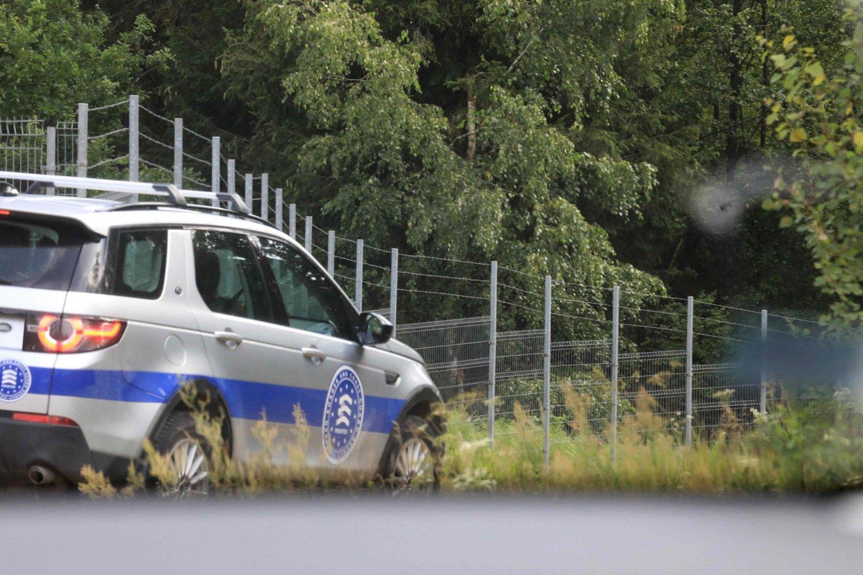 """Į Lietuvą atvyko 60 papildomų """"Frontex"""" pareigūnų, padėsiančių valdyti migrantų krizę.<br>AFP/Scanpix nuotr."""