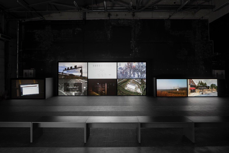 Ivaras Veermae. Abejonės centras. Rygos Bienalė, 2018.<br>Organizatorių nuotr.