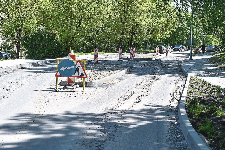 Pradedami Šaltkalvių gatvės asfaltavimo darbai.<br>Lrytas.lt archyvo nuotr.