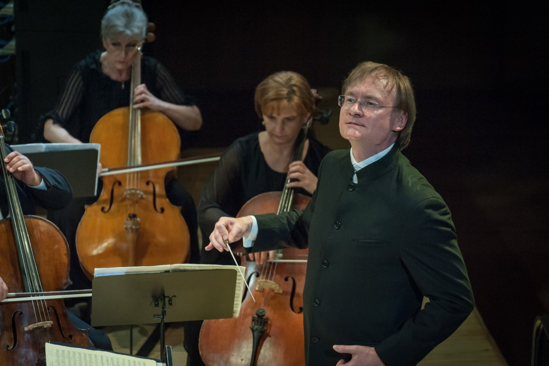 R.Šervenikas ir KVMT orkestras.<br>O.Kasabovos nuotr.