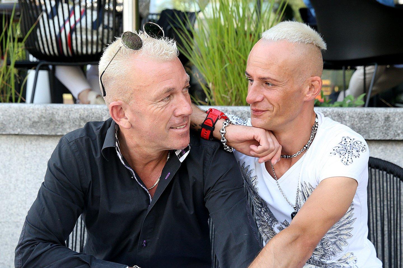 Mindaugo ir Michaelo sužadėtuvės įvyko liepos 30 d. prie Vilniaus Katedros.<br>R.Danisevičiaus nuotr.
