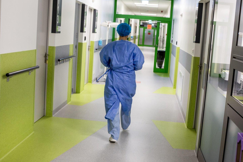 Santaros klinikų medikai teismekovoja dėl jiems neišmokėtų padidintų algų.<br>V.Balkūno nuotr.