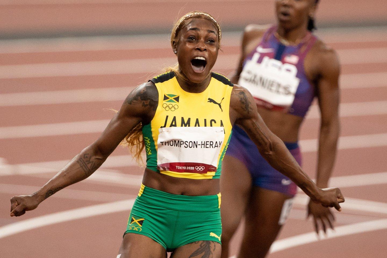 Elaine Thompson-Herah tapo triskart olimpine čempione.<br>Reuters/Scanpix.com nuotr.