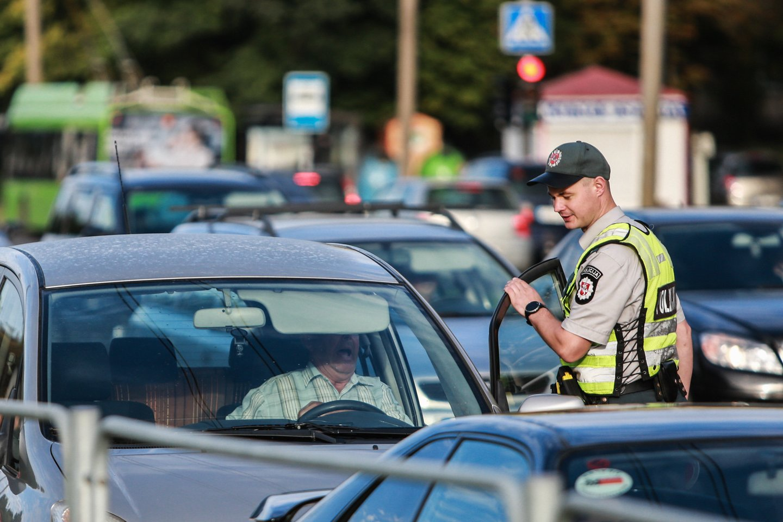 Per savaitę Kelių patrulių kuopos pareigūnai mobiliaisiais greičio matavimo prietaisais užfiksavo 658 greičio viršijimo atvejus.<br>G.Bitvinsko nuotr.