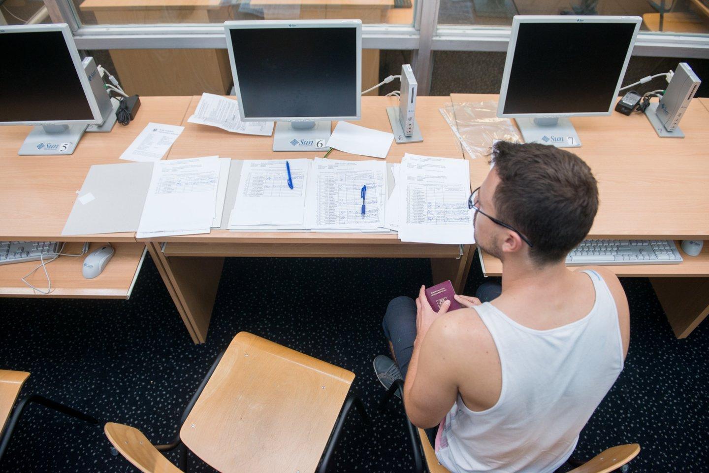 Ketvirtadienį baigėsi prašymų studijuoti aukštosiose mokyklose priėmimas.<br>J.Stacevičiaus nuotr.