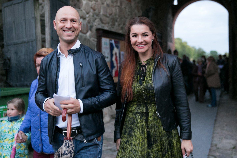 """Kerbedis Dueto """"Patruliai"""" narys A.Radzevičius su žmona Milisandra.<br>T.Bauro nuotr."""