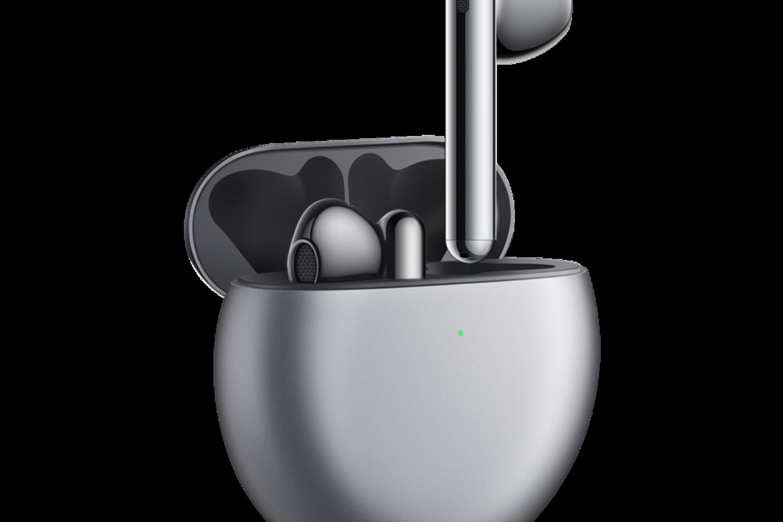 """Kompanija """"Huawei"""", naujų belaidžių ausinių """"Huawei FreeBuds 4"""" išleidimo proga, dalinasi 5 kriterijais, kuriais vadovaudamiesi išsirinksite sau geriausias ausines.<br>Partnerio nuotr."""