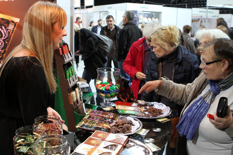 Pirkėjai noriai renkasi lietuviškas prekes.<br>M.Patašiaus nuotr.