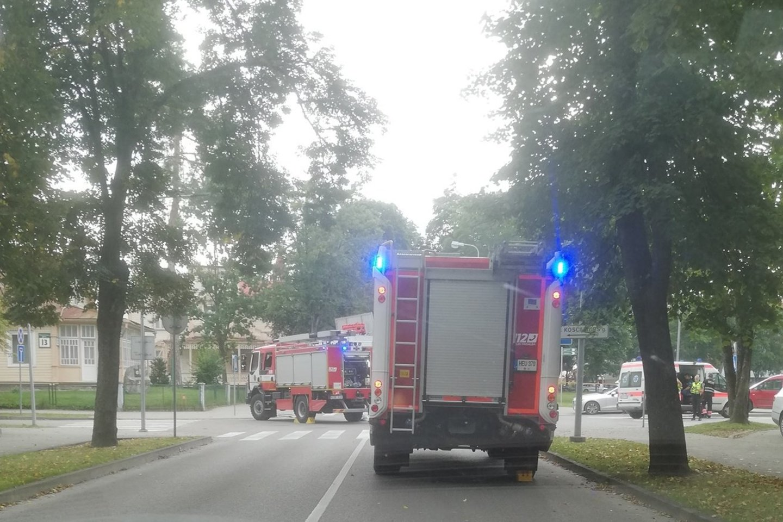 Avarijos vietoje prireikė visų Druskininkų specialiųjų tarnybų.<br>Facebook/Pagalba vairuotojams Druskininkuose/Tomo Ž. nuotr.