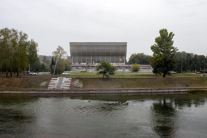 Vyriausybė atsisako planų nebenaudojamus Vilniaus sporto rūmus paversti Vilniaus kongresų centru ir ketina ieškoti kitų sprendimų.<br>V.Ščiavinsko nuotr.