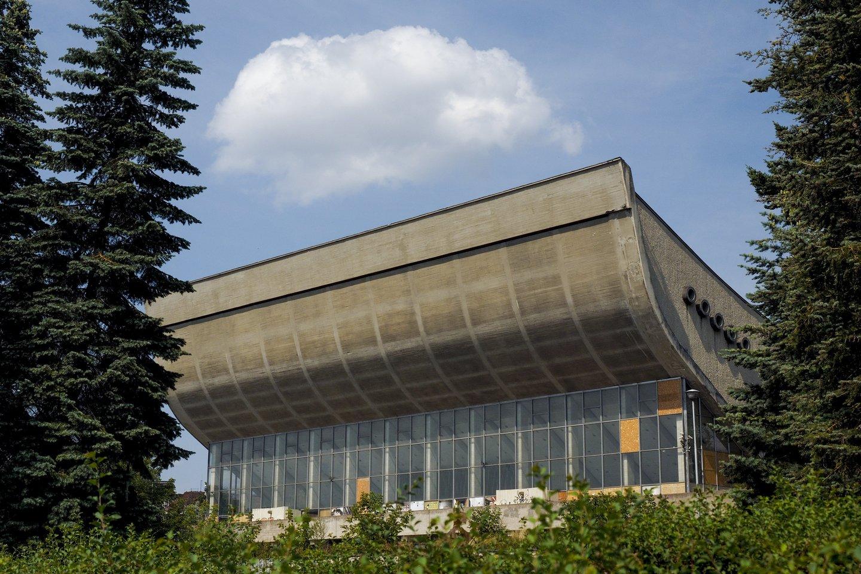 Vyriausybei atsisakius plano apleistuose Vilniaus koncertų ir sporto rūmuose įrengti Kongresų centrą, Turto bankas teigia iki šiol negavęs jokių pavedimų, kaip juos ateityje panaudoti.<br>V.Ščiavinsko nuotr.