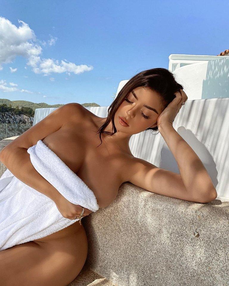 Seksualūs Demi Rose kadrai iš Ibizos kaitina gerbėjų kraują.<br>Soc. tinklo nuotr.