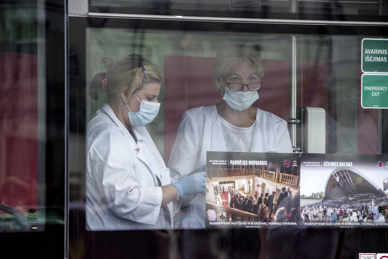 Lietuvoje toliau fiksuojami nauji koronaviruso atvejai.<br>V.Ščiavinsko nuotr.