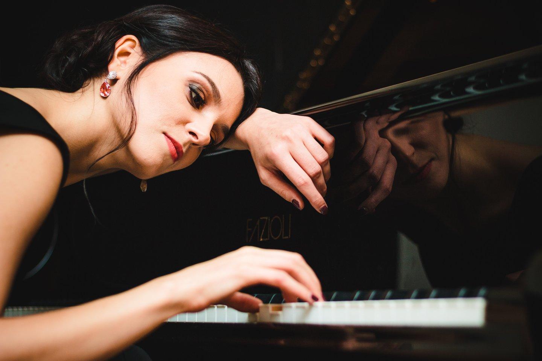 Profesionalios pianistės karjerą Gerūta iškeitė į žurnalistiką.<br>J.Šopos nuotr.