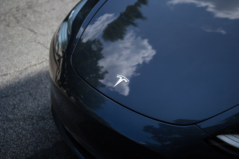 """""""Tesla"""" iškilimas tapo istoriniu fenomenu ne tik automobilių pasaulyje, bet ir versle apskritai.<br>www.unsplash.com nuotr."""