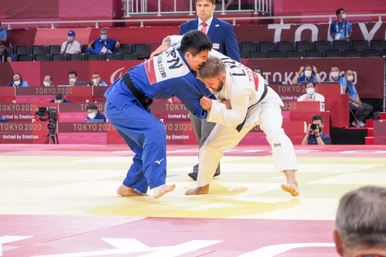 Osvaldas Bareikis kovoja Tokijo paralimpinėse žaidynėse.<br>D.Ožako/lpok.lt nuotr.