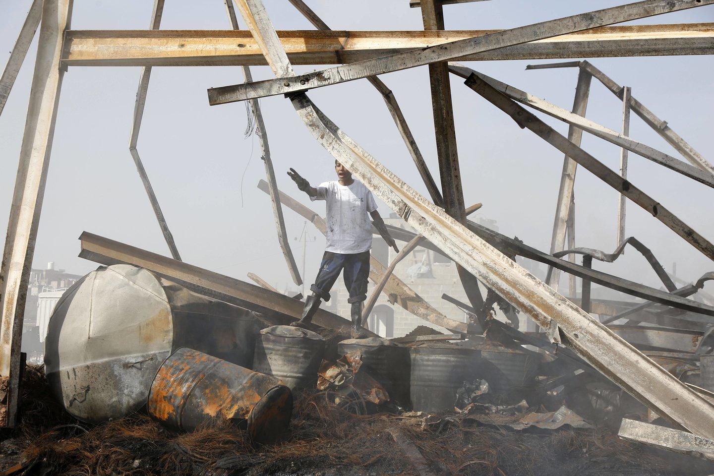 Jemene per sekmadienio smūgius didžiausiai oro pajėgų bazei žuvo mažiausiai 30 provyriausybinių karių.<br>imago images/Xinhua/Scanpix nuotr.