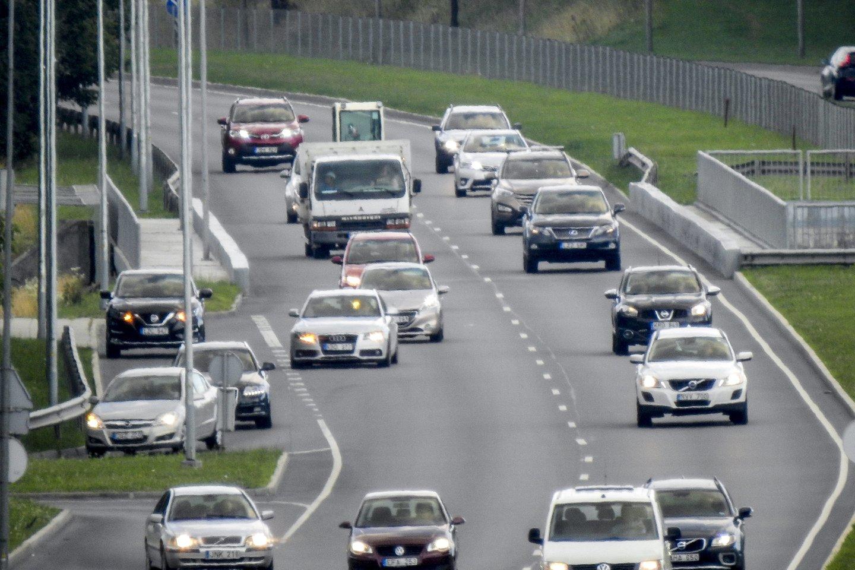 Šių metų rugpjūtį Lietuvos naujų lengvųjų automobilių (M1 ir N1) registravimas sumažėjo 26,5 proc. iki 2 665 vnt.<br>V.Ščiavinsko nuotr.