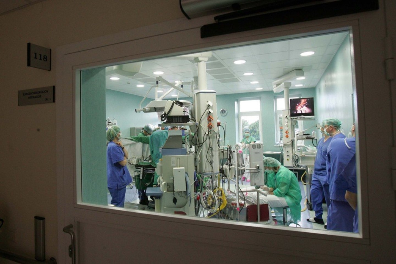 Rugpjūčio 31 d. Lietuvos sveikatos mokslų universiteto ligoninėje (LSMUL) Kauno klinikose registruotas neplakančios širdies donoras.<br>V. Balkūno asociatyvi nuotrauka