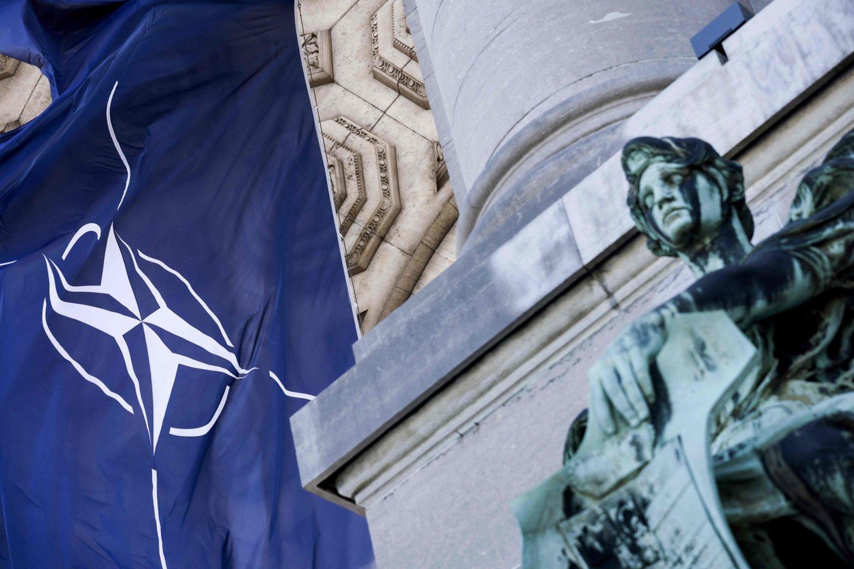 NATO generalinis sekretorius Jensas Stoltenbergas įspėjo, kad nuo JAV nepriklausomos kariuomenės sukūrimas Europoje suskaldytų Aljanso sąjungininkes. <br>AFP/Scanpix nuotr.