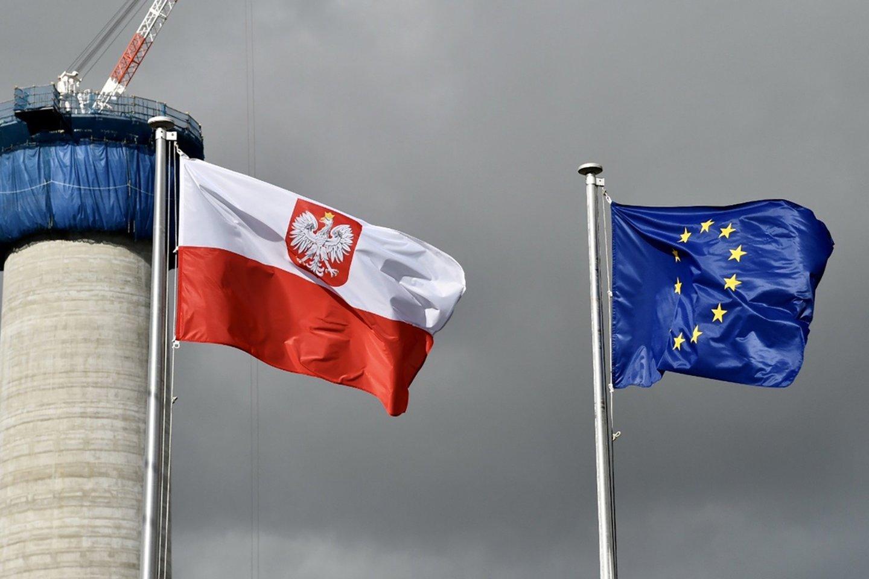 Europos Komisija antradienį paprašė Europos Teisingumo Teismo skirti kasdienes baudas Lenkijai.<br>TASS/Scanpix nuotr.