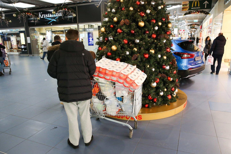 Kalėdų sezonas – iššūkis tiek verslams, tiek gerą dovaną norintiems išrinkti žmonėms.<br>R.Danisevičiaus nuotr.