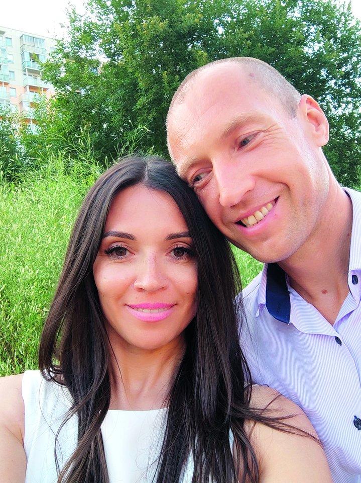 Prieš 5 metus santuokos saitais sujungta Aleksandro ir Jelenos meilė užgimė darbe.<br>M.Stankevičiaus ir asmeninio archyvo nuotr.