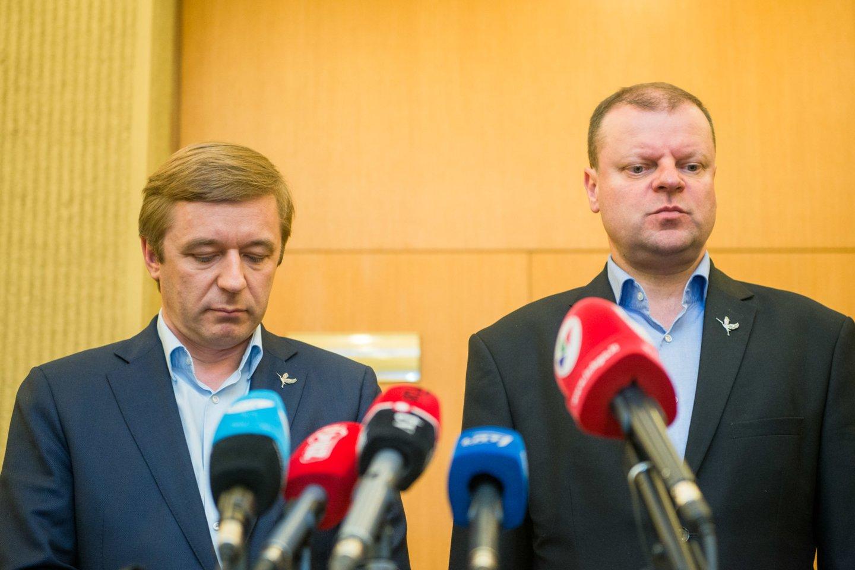 Kuris gavo daugiau naudos: R.Karbauskis iš S.Skvernelio ar atvirkščiai?<br>J.Stacevičiaus nuotr.