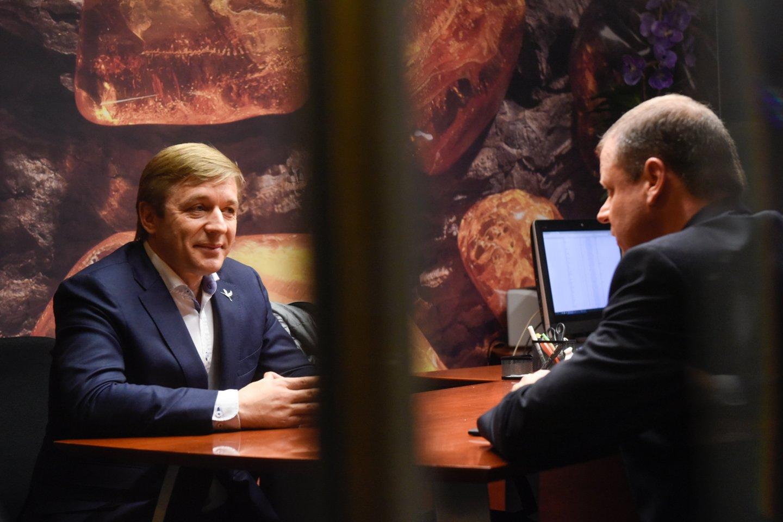 Kuris gavo daugiau naudos: R.Karbauskis iš S.Skvernelio ar atvirkščiai?<br>D.Umbraso nuotr.