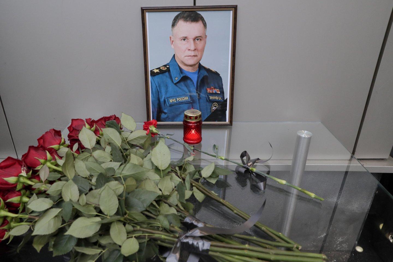 """Rusijos nepaprastųjų situacijų ministras Jevgenijus Ziničevas žuvo ne per pratybas """"vykdydamas tarnybines pareigas"""", kaip oficialiai buvo skelbta iškart po nelaimės, įvykusios trečiadienį Krasnojarsko krašte.<br>TASS/Scanpix"""