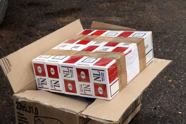 Į Kaišiadorių ir Lazdijų policijos rankas pateko dideli kiekiai kontrabandinių cigarečių.<br>P.Mantauto asociatyvi nuotr.