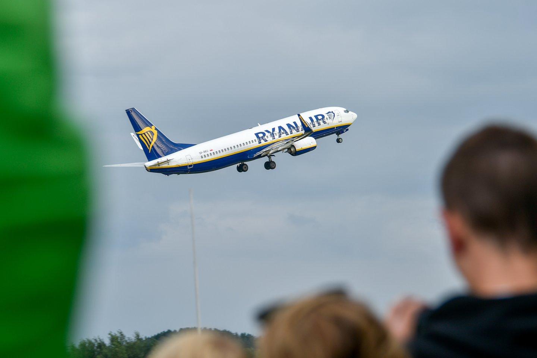 """Pati """"Ryanair"""" dėl pandemijos taip pat buvo priversta sumažinti skrydžių trumpais atstumais skaičių.<br>V.Ščiavinsko nuotr."""