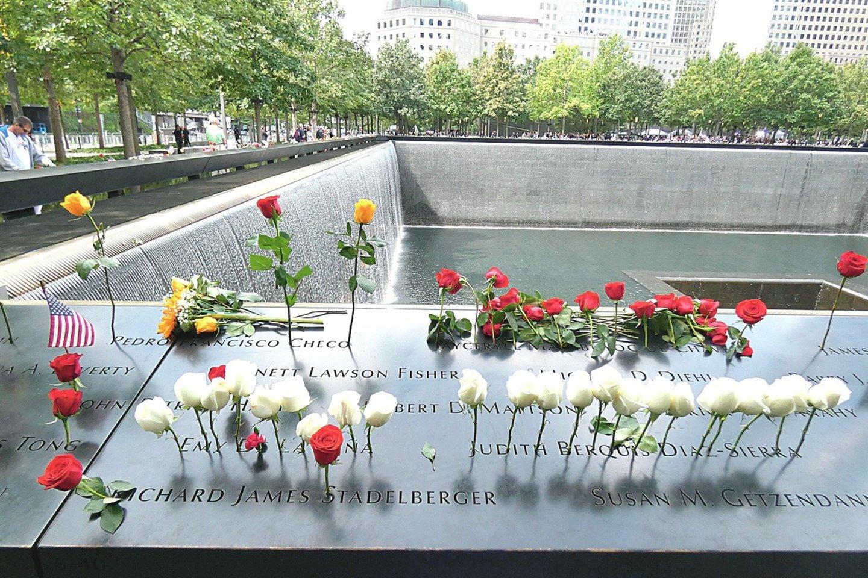 """Rugsėjo 11-osios aukų artimieji seniai reikalavo teisės žinoti, kaip vyksta kruvinų 2001 m. teroro aktų tyrimas.<br>""""ZUMA Press""""/""""Scanpix"""" nuotr."""