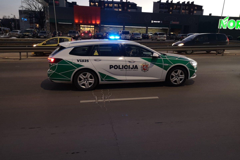 Rudenį į gatves pajudant vis daugiau transporto priemonių nesnaudžia ir specialiųjų transporto priemonių vairuotojai.<br>A.Vaitkevičiaus nuotr.