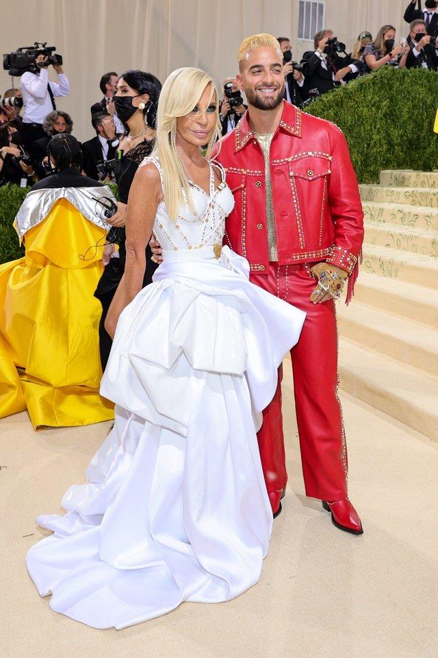 Donatella Versace ir Maluma.<br>Scanpix nuotr.