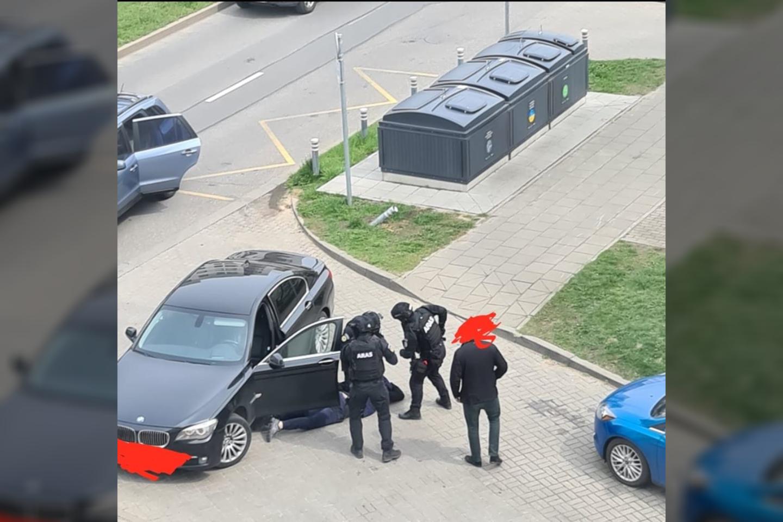 Prieš teismą stos penki įtariamieji greitkelio plėšikai, tarp jų ir dainininkės K.Ivanovos draugas A.Mickus.<br>Policijos asociatyvioji nuotr.