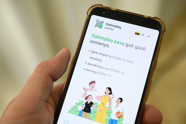 Nuo pirmadienio visos kontaktinės paslaugos, ūkinės veiklos ir renginiai užsivėrė galimybių paso (GP) neturintiems asmenims.<br>V.Skaraičio nuotr.